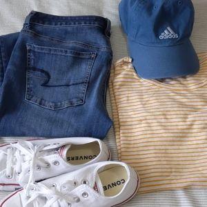 American Eagle medium wash skinny ankle jeans